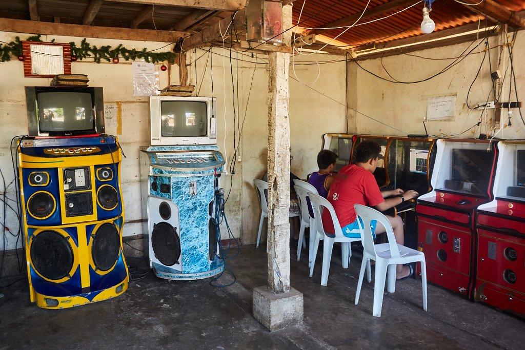 szafy-karaoke-i-kafejka-Internetowa.jpg