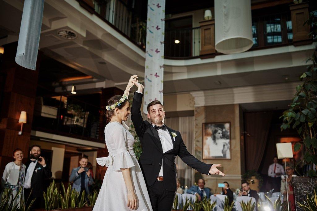 Sesja ślubna - Ślub Asi i Piotra. Grand Hotel