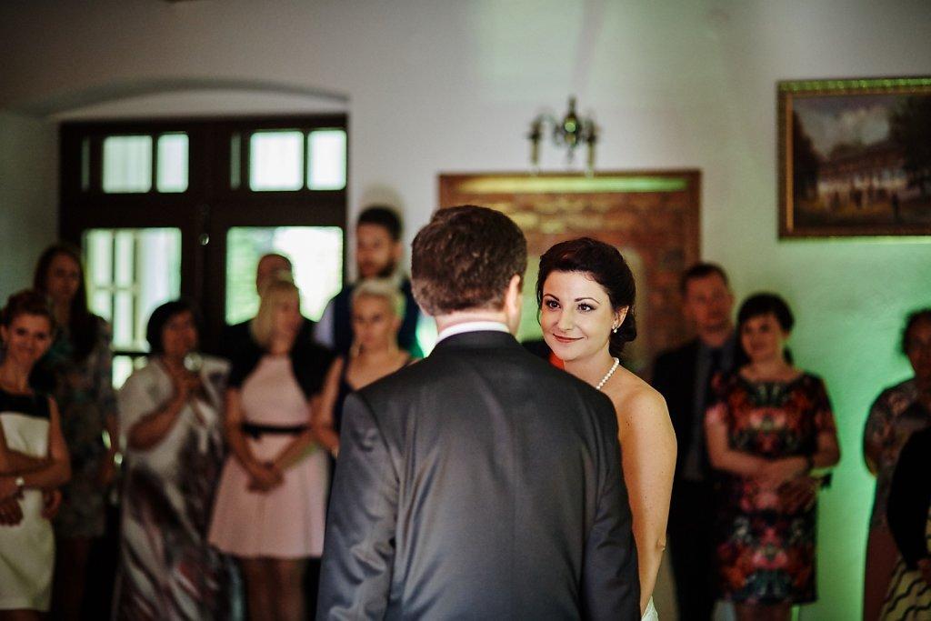 Ślubna fotografia - Ślub Pauliny i Radka w plenerze