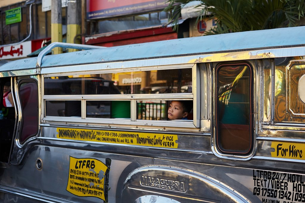 Jeepney-pasazer.jpg
