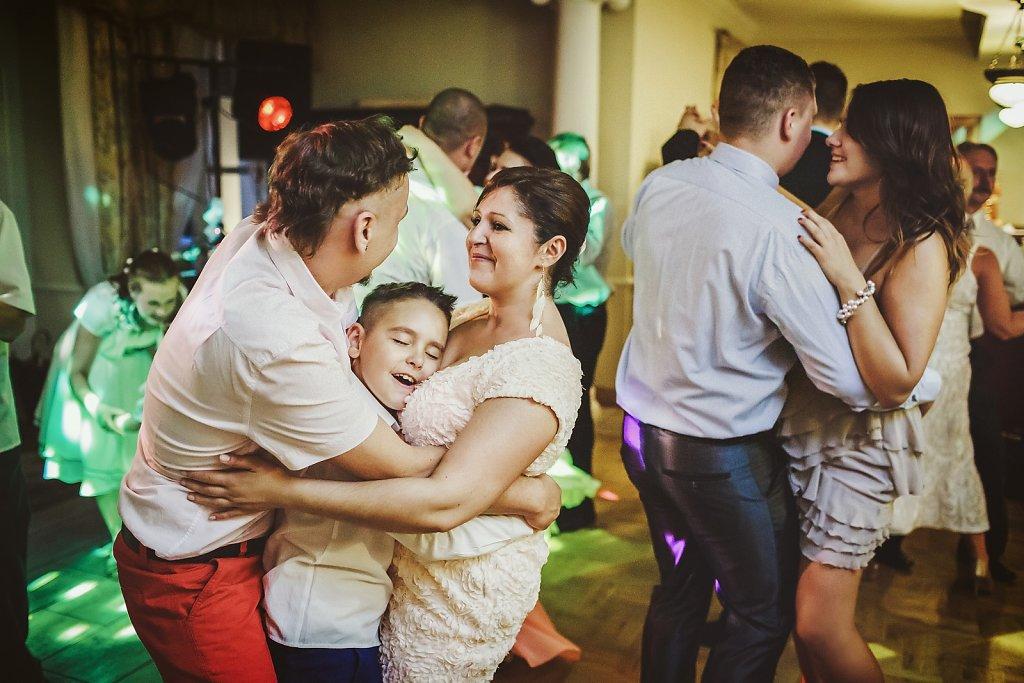 Sesja ślubna - Dzieci na weselu