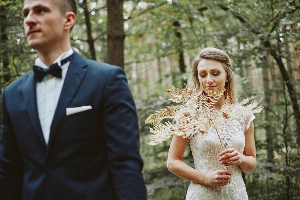 Sesja ślubna - Spacerem po miłość