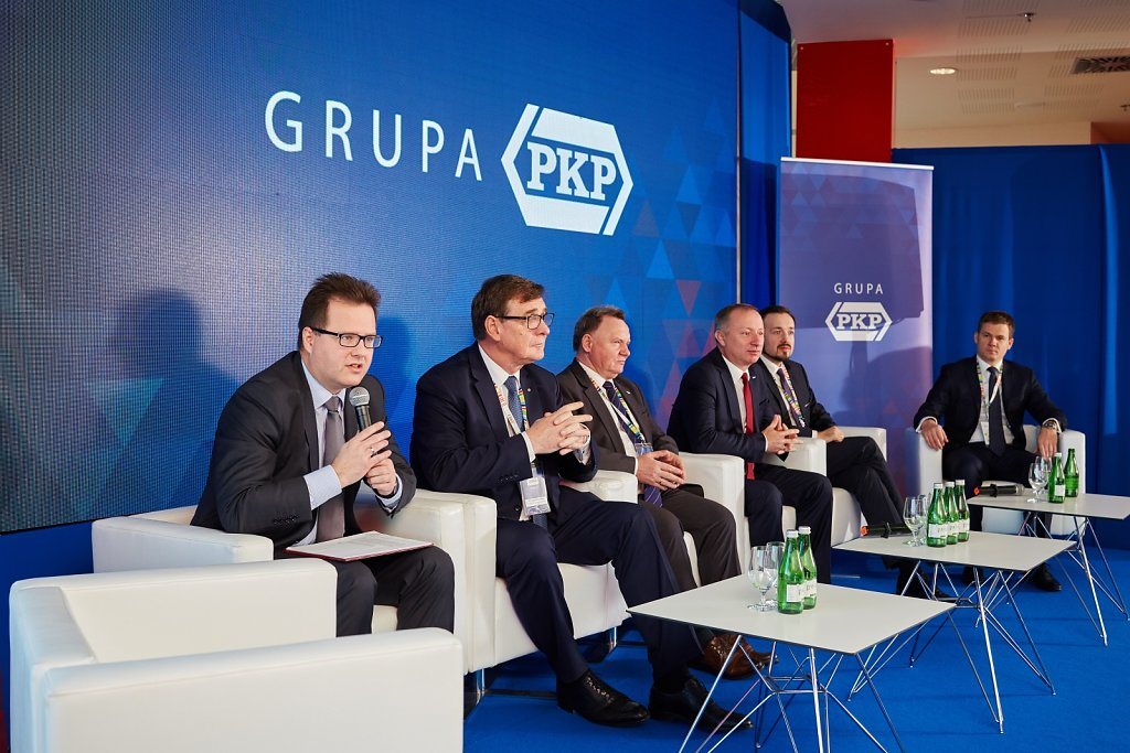 fotografia-firmowa-korporacyjna-konferencja-prasowa-polskie-koleje-panstwowe-pkp-057.jpg