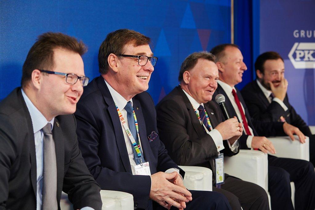 fotografia-firmowa-korporacyjna-konferencja-prasowa-polskie-koleje-panstwowe-pkp-059.jpg