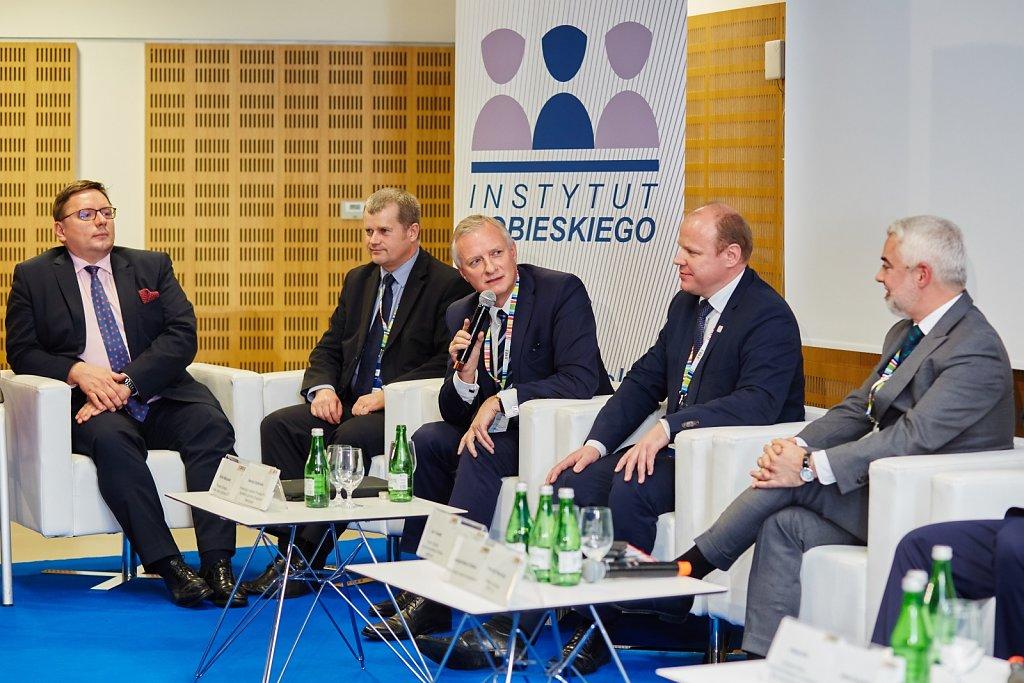 fotografia-firmowa-korporacyjna-konferencja-prasowa-polskie-koleje-panstwowe-pkp-065.jpg