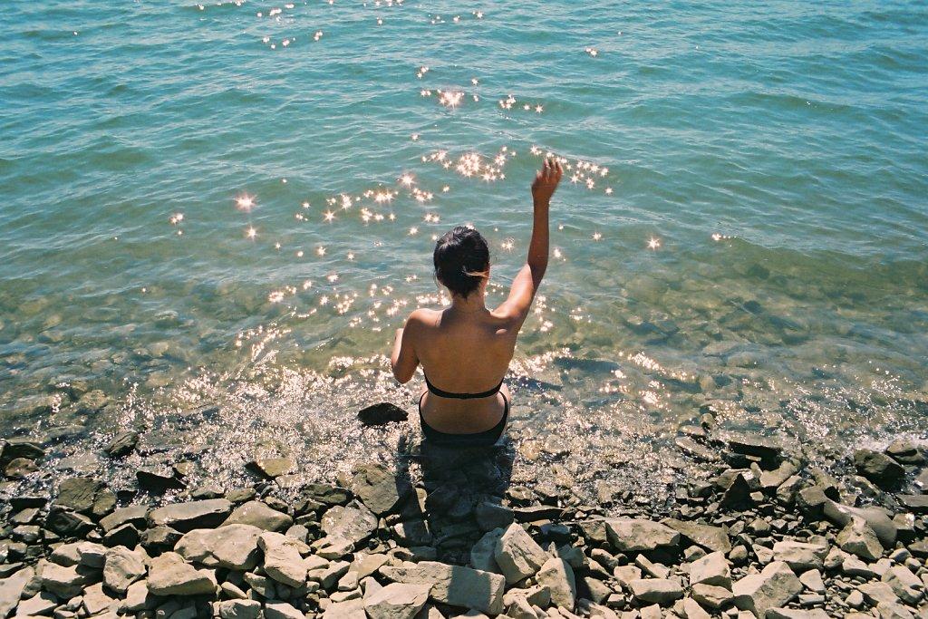 fotografia-analogowa-reportaz-zalew-solinski-plaza-plazowicze-Praktica-Fuji-film-C200-Superia-083.jpg