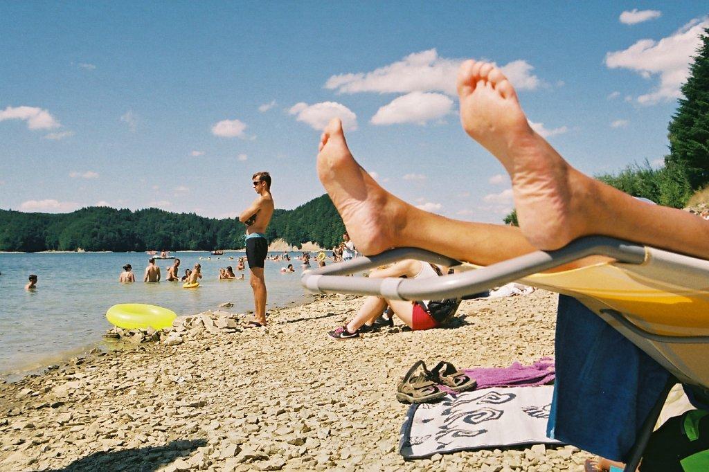 fotografia-analogowa-reportaz-zalew-solinski-plaza-plazowicze-Praktica-Fuji-film-C200-Superia-060.jpg