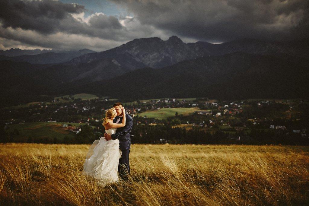 Ślubna fotografia - Zdjęcia z sesji plenerowych