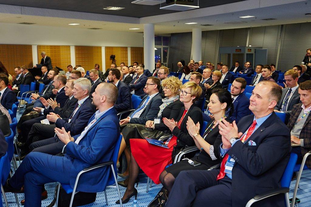 fotografia-firmowa-korporacyjna-konferencja-prasowa-polskie-koleje-panstwowe-pkp-064.jpg